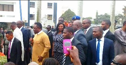 Governor Ayade encycled by his security aides (file pix)